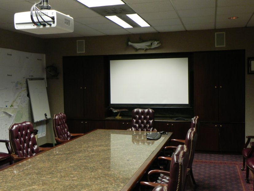 Projector-Install-in-Meeting-room