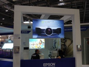 Rear-Projection-Screen-Epson-BETT-300x225
